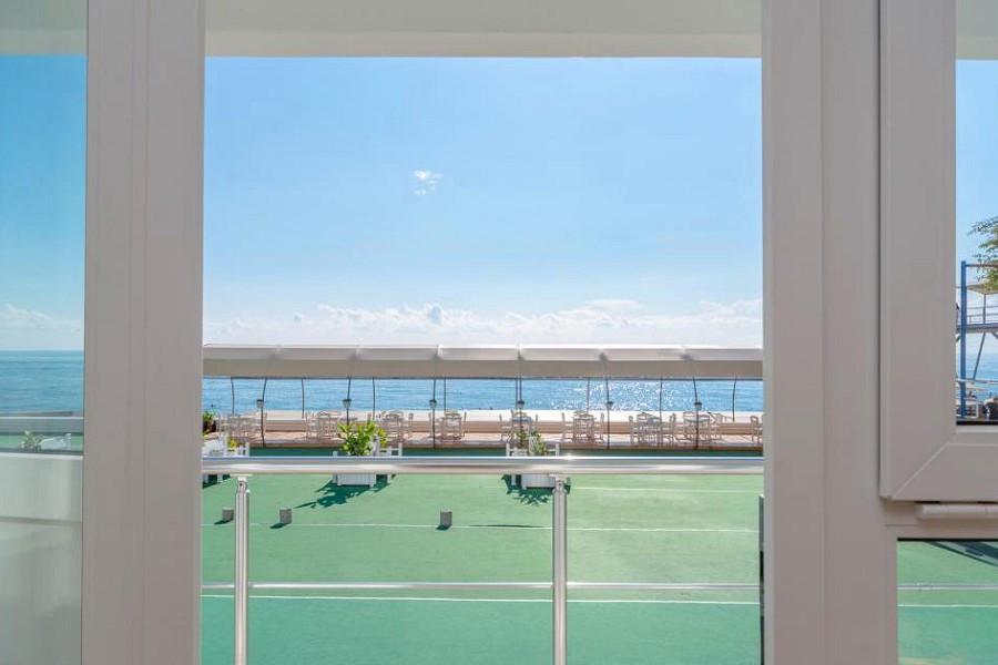 Вид на море из номера Стандарт в отеле Левант