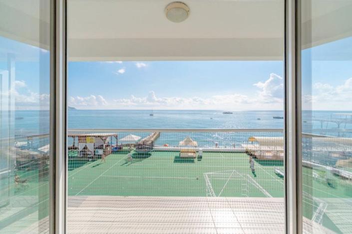 Вид на море из номера Классический в отеле Левант
