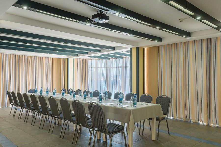 Конференц-зал отеля Левант