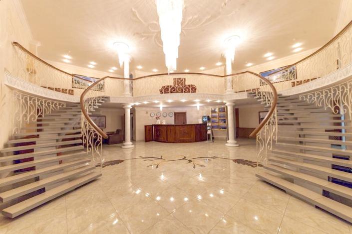 Холл отеля Лиана