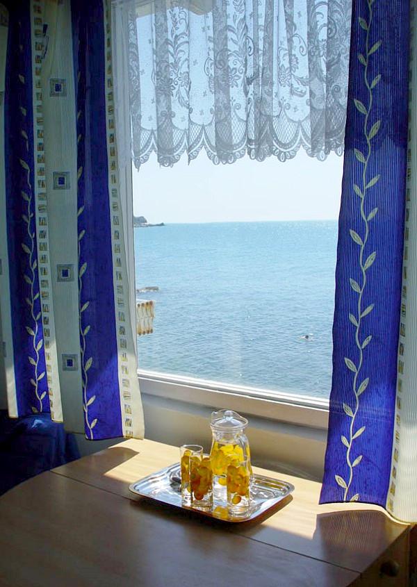 Номер двухместный с видом на море в корпусе Климатопавелион курортного комплекса Лиго Морская
