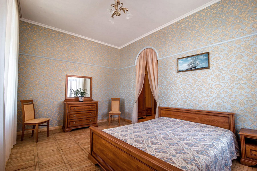 Люкс двухместный двухкомнатный с верандой и видом на море в курортном комплексе Лиго Морская