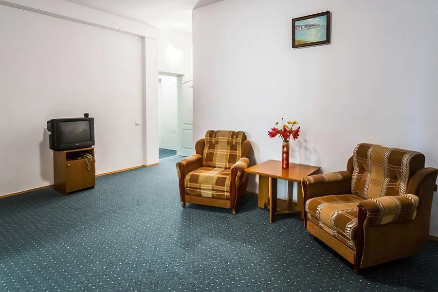 Полулюкс 2-х местный 2-х комнатный в Новом корпусе пансионата Литфонд