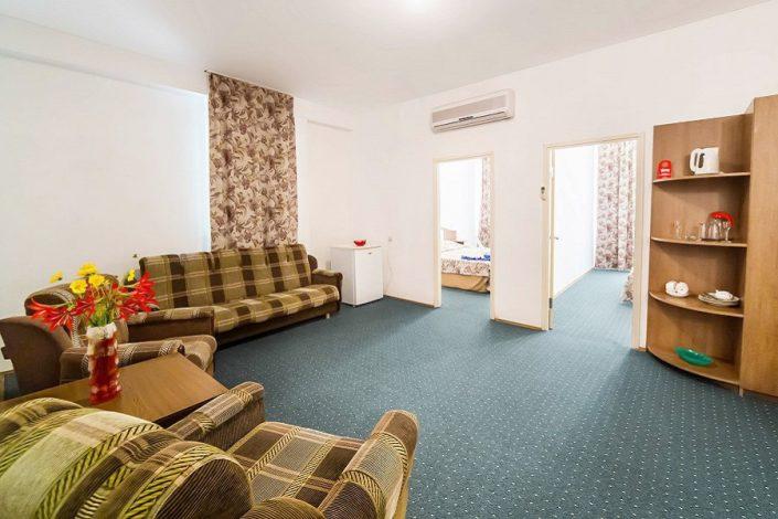 Повышенной комфортности 4-х местный 3-х комнатный в Новом корпусе пансионата Литфонд