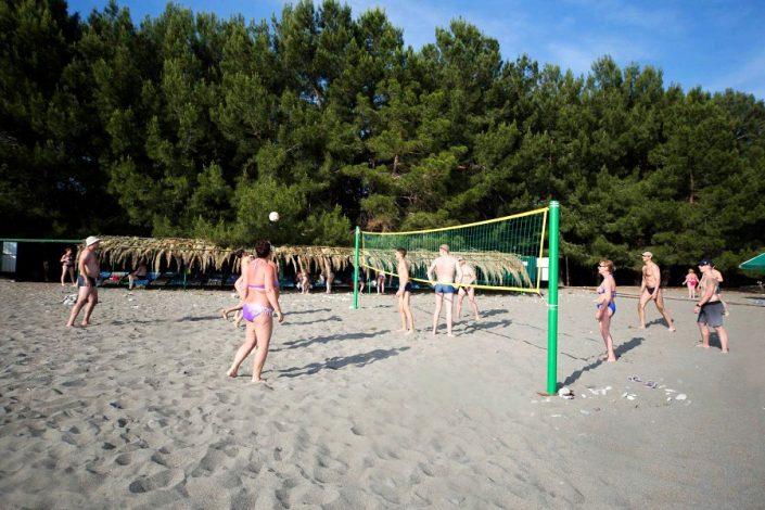 Волейбольная площадка на пляже пансионата Литфонд
