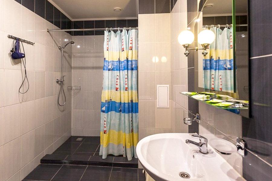 Туалетная комната номера Комфорт спа-отеля Ливадийский