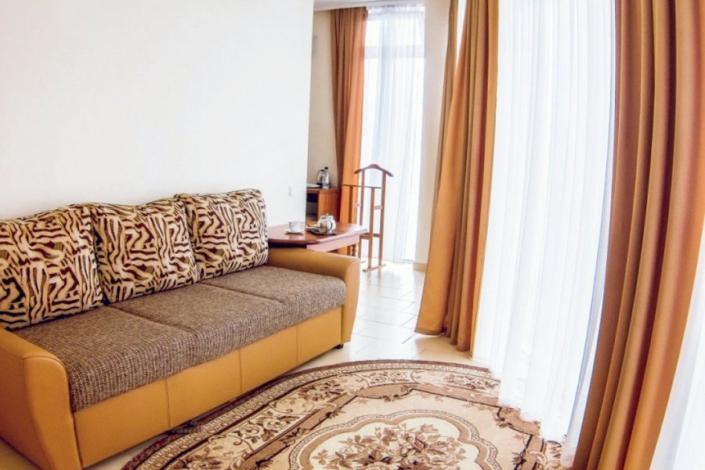 Полулюкс Семейный двухместный спа-отеля Ливадийский