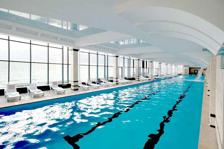 Крытый бассейн спа-отеля Ливадийский