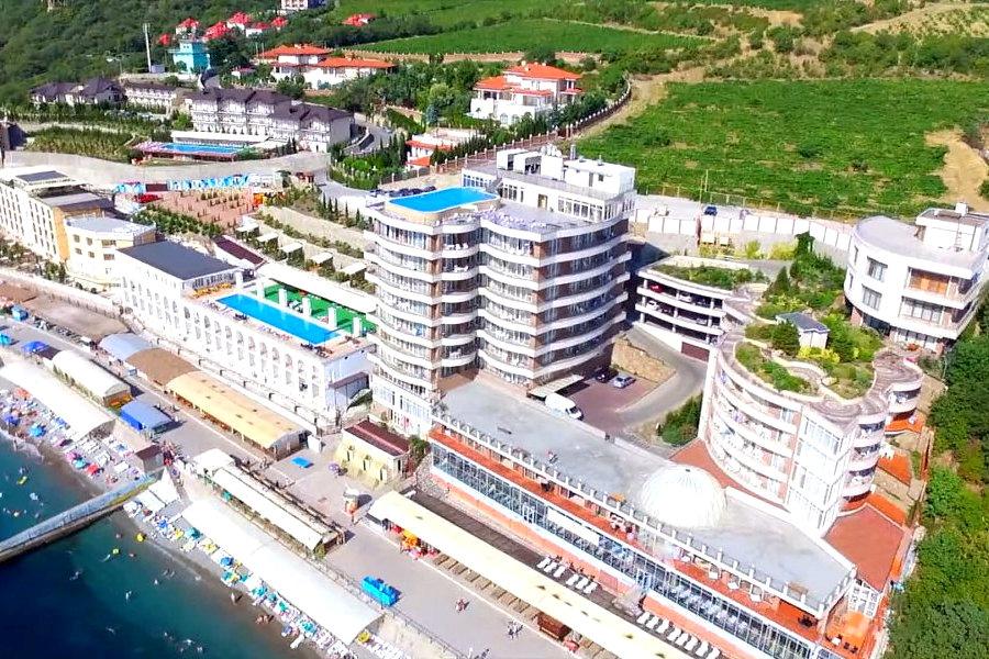 Территория курортного комплекса Ливадийский, Крым, Ялта, Ливадия
