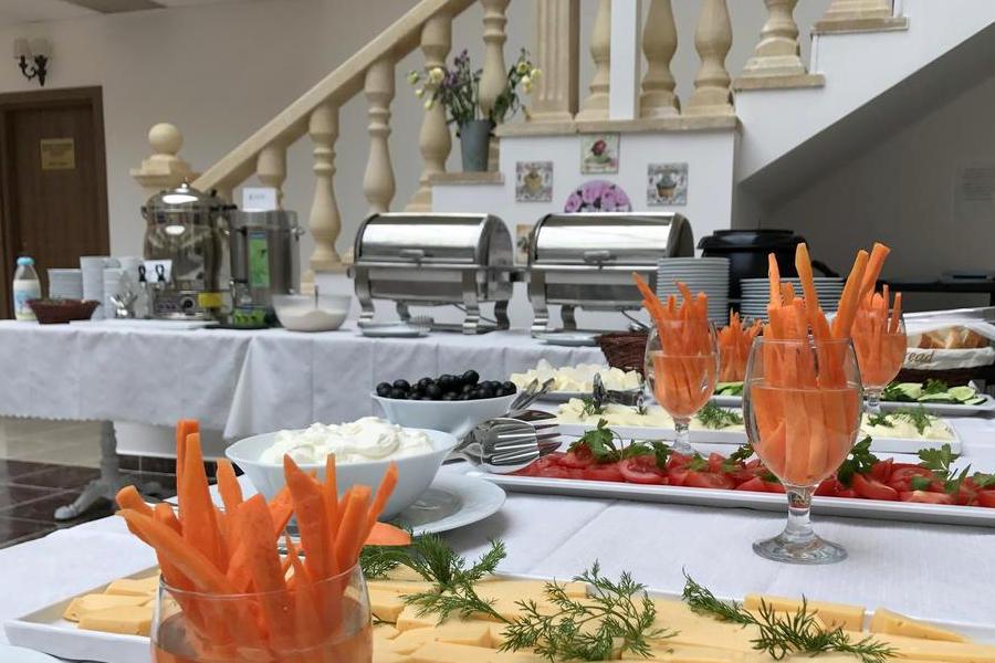 Завтрак в отеле Lucette