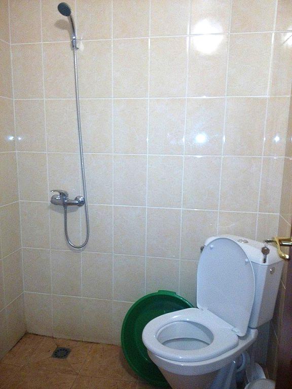 Туалетная комната Стандартного номера гостиницы Лулу