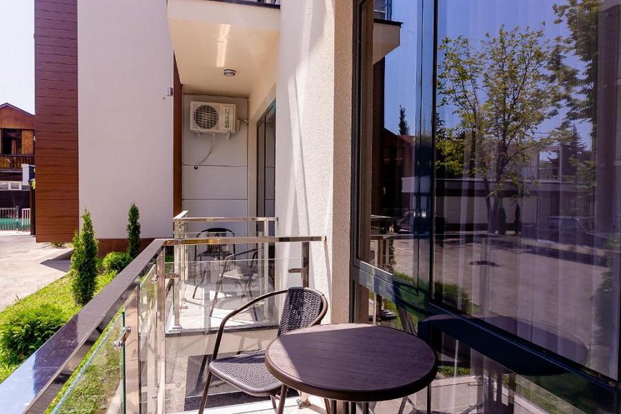 Балкон номера Комфорт с кухней в отеле Мадрид Парк 2
