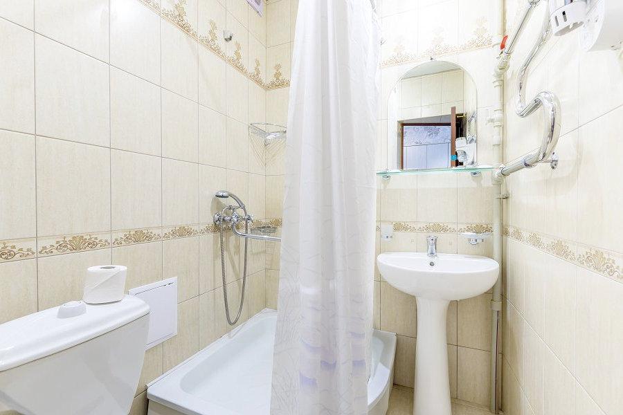 Туалетная комната номера Комфорт в Корпусе 5 санатория Магадан