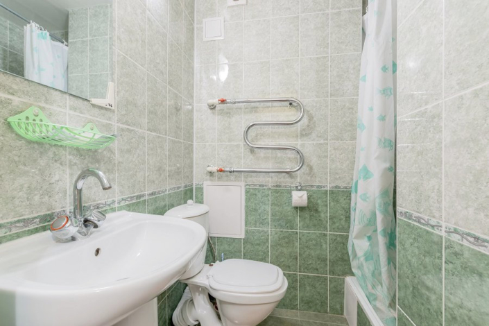 Туалетная комната Стандартного номера в Корпусе 2 санатория Магадан