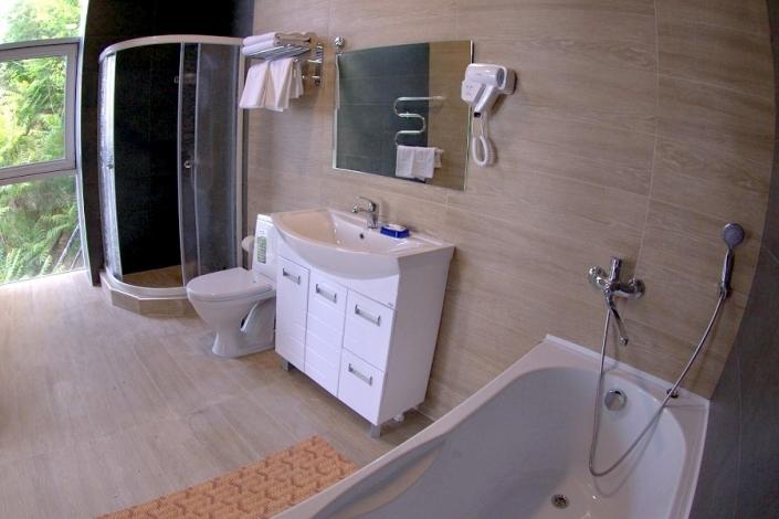 Туалетная комната номера Люкс двухкомнатный, корпус № 5 Бриз санатория Малая бухта