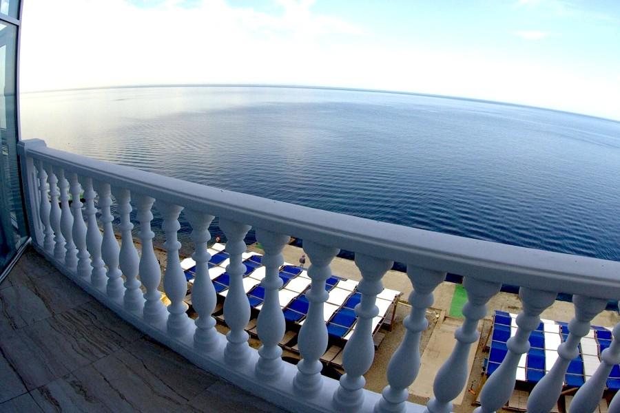 Балкон номера Люкс двухкомнатный, корпус № 5 Бриз санатория Малая бухта