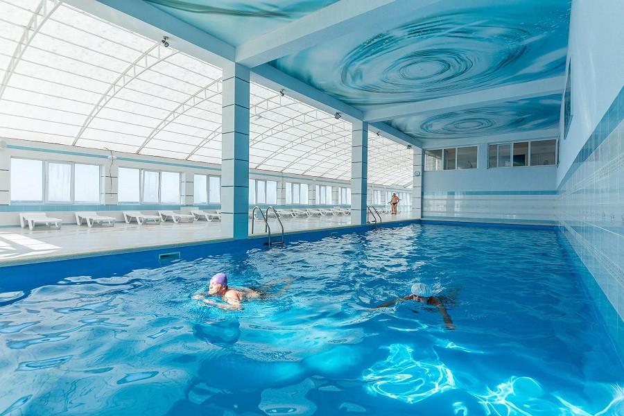 Комплекс бассейнов Зимний пляж санатория Малая бухта