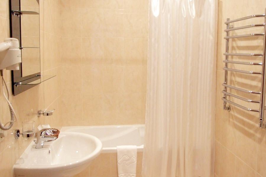 Туалетная комнат номера Люкс двухместный в вилле Чаир отеля Марат