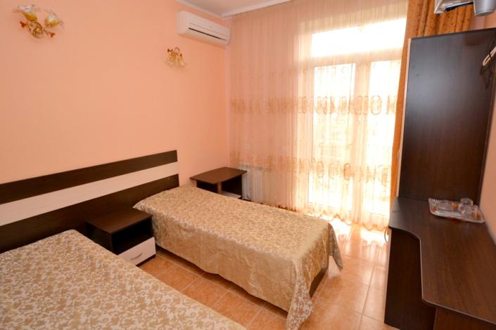 Стандарт двухместный с балконом в отеле Мармелад