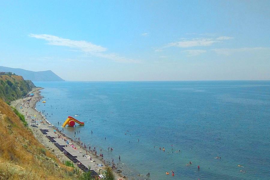 Ближайший к курортному комплексу пляж
