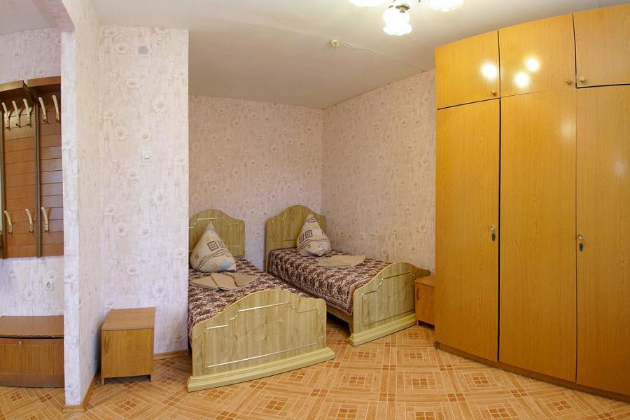 Двухместный двухкомнатный номер санатория Маяк