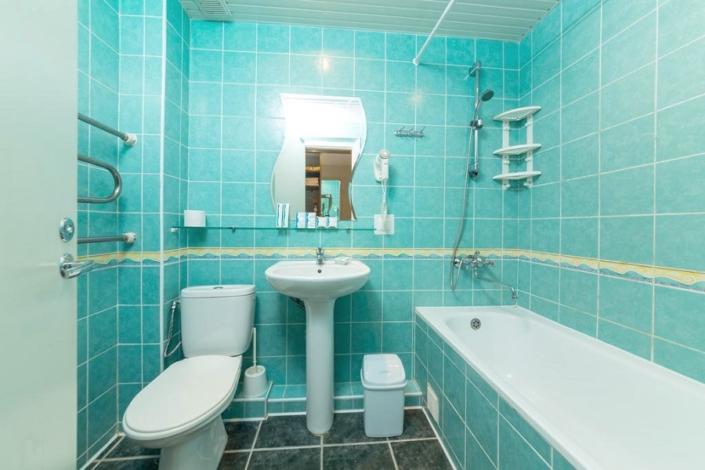 Туалетная комната номера Полулюкс в Корпусе 2 отеля Мечта, Анапа