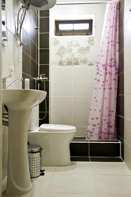 Туалетная комната Стандартного номера отеля Медовый