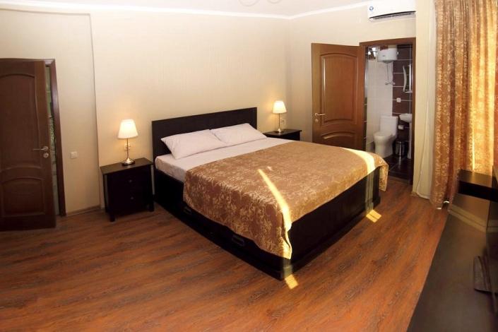 Люкс Улучшенный отеля Медовый