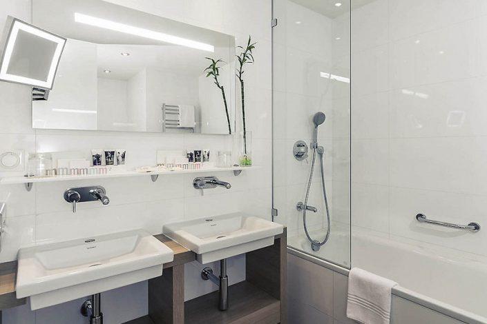Туалетная комната в номере Mercure Rosa Khutor, Красная Поляна, Сочи
