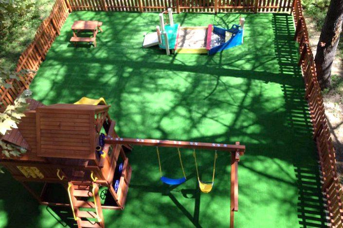 Детская игровая площадка гостиницы Меридиан
