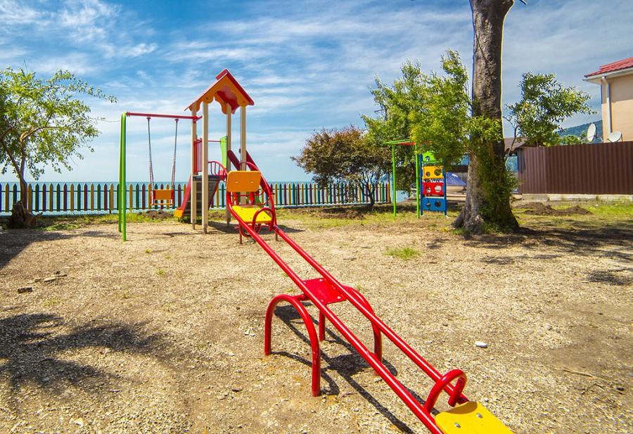 Детская игровая площадка пансионата Мидель-Гагра