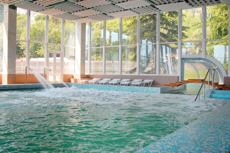 Крытый бассейн санатория Мисхор