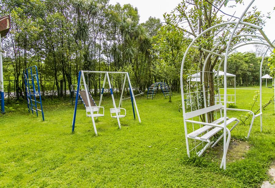 Детская игровая площадка базы отдыха Мия