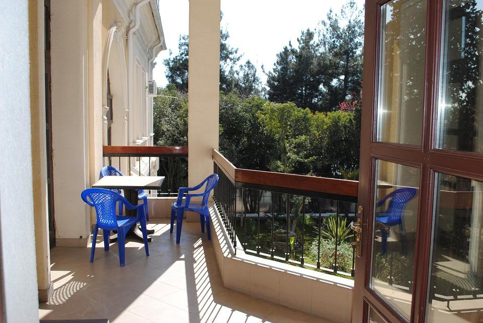 Вид с балкона курортного комплекса им. Мориса Тореза