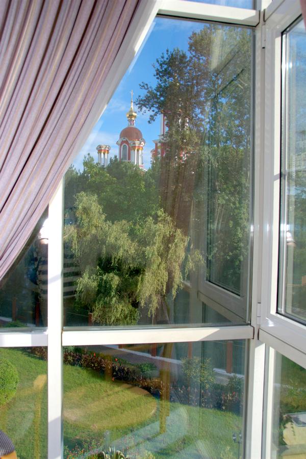 Вид из окна номера комплекса Морская звезда