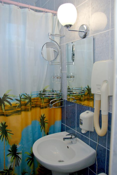 Туалетная комната в номере Стандарт комплекса Морская звезда