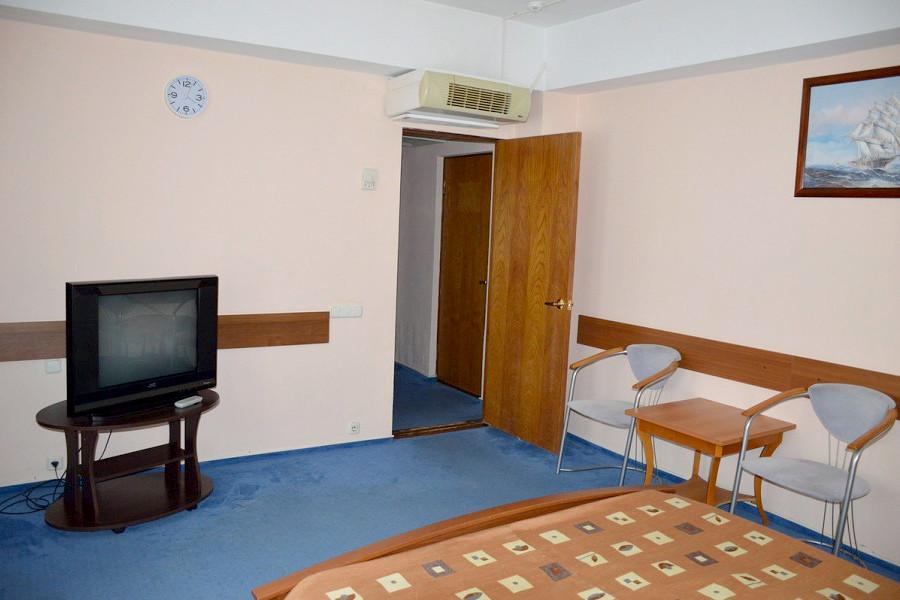 Люкс 2-х местный 2-х комнатный комплекса Морская звезда
