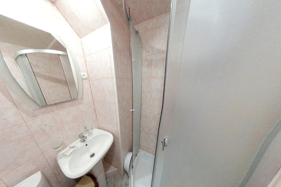 Туалетная комната Стандартного номера в Корпусе № 1 пансионата Морской бриз