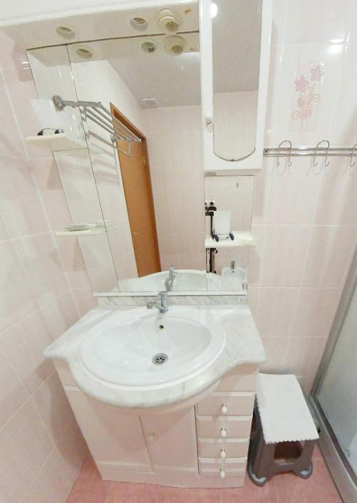 Туалетная комната номера Люкс категории А в Корпусе № 2 пансионата Морской бриз