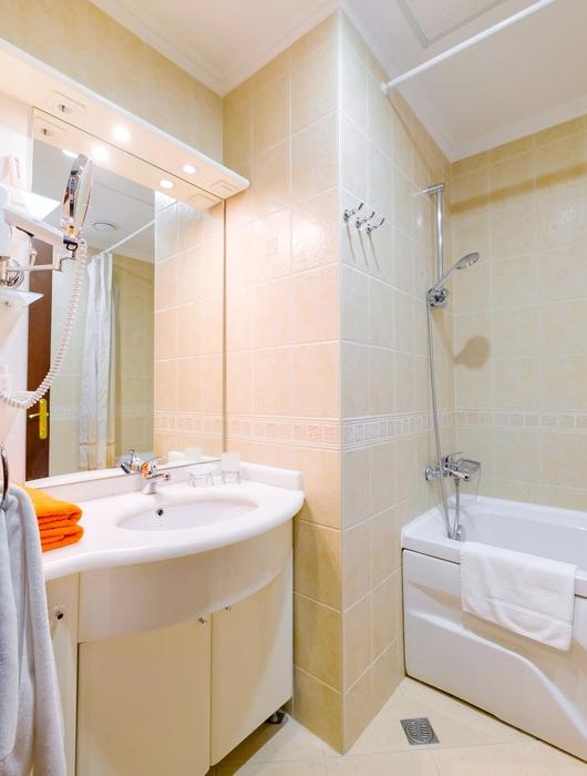 Туалетная комната Стандартного номера в отеле Морской КК Миндальная роща
