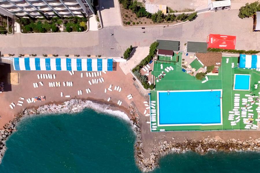 Бассейн и пляж ГК Морской