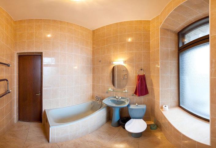 Туалетная комната номера Стандарт в Даче № 17 санатория Морской прибой