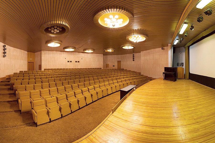 Киноконцертный зал санатория Морской прибой