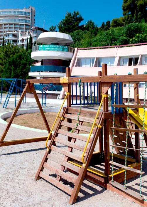 Детская площадка отеля Морской уголок