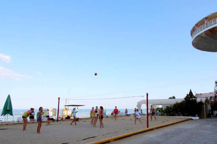 Волейбольная площадка отеля Морской уголок