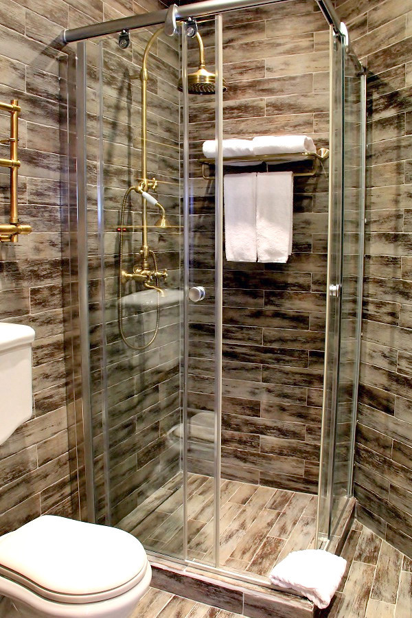 Туалетная комната в номере отеля Русский Север, ГК Моя Россия, Красная Поляна, Сочи