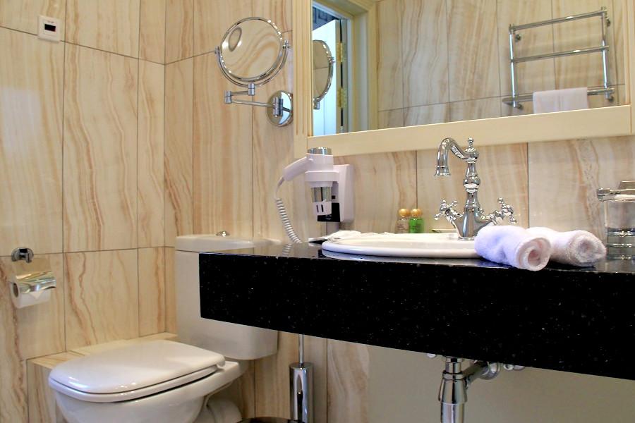 Туалетная комната в номере отеля Санкт-Петербург, ГК Моя Россия, Красная Поляна, Сочи