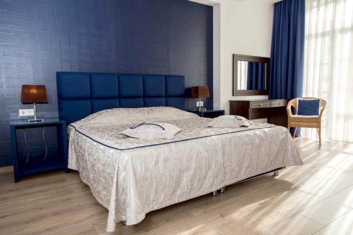 Люкс Картье четырехместный двухкомнатный отеля Мускатель