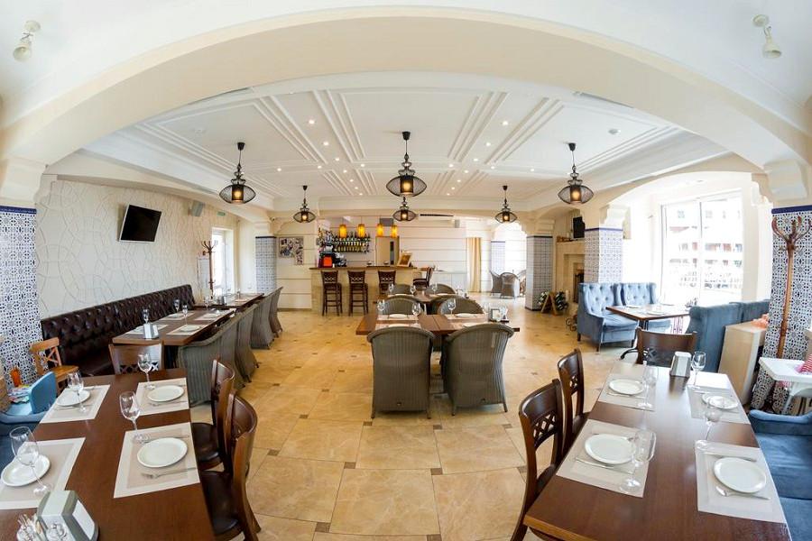 Ресторан отеля Мускатель