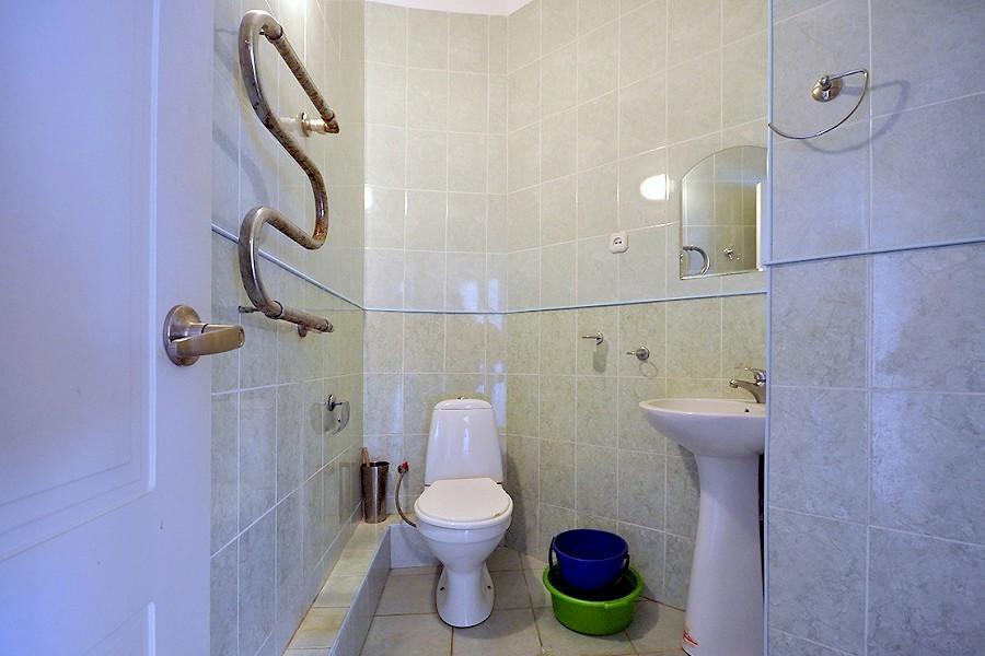 Туалетная комната в номере Генеральского корпуса МВО Сухум